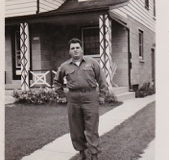Dad-1945-in-Milwaukee